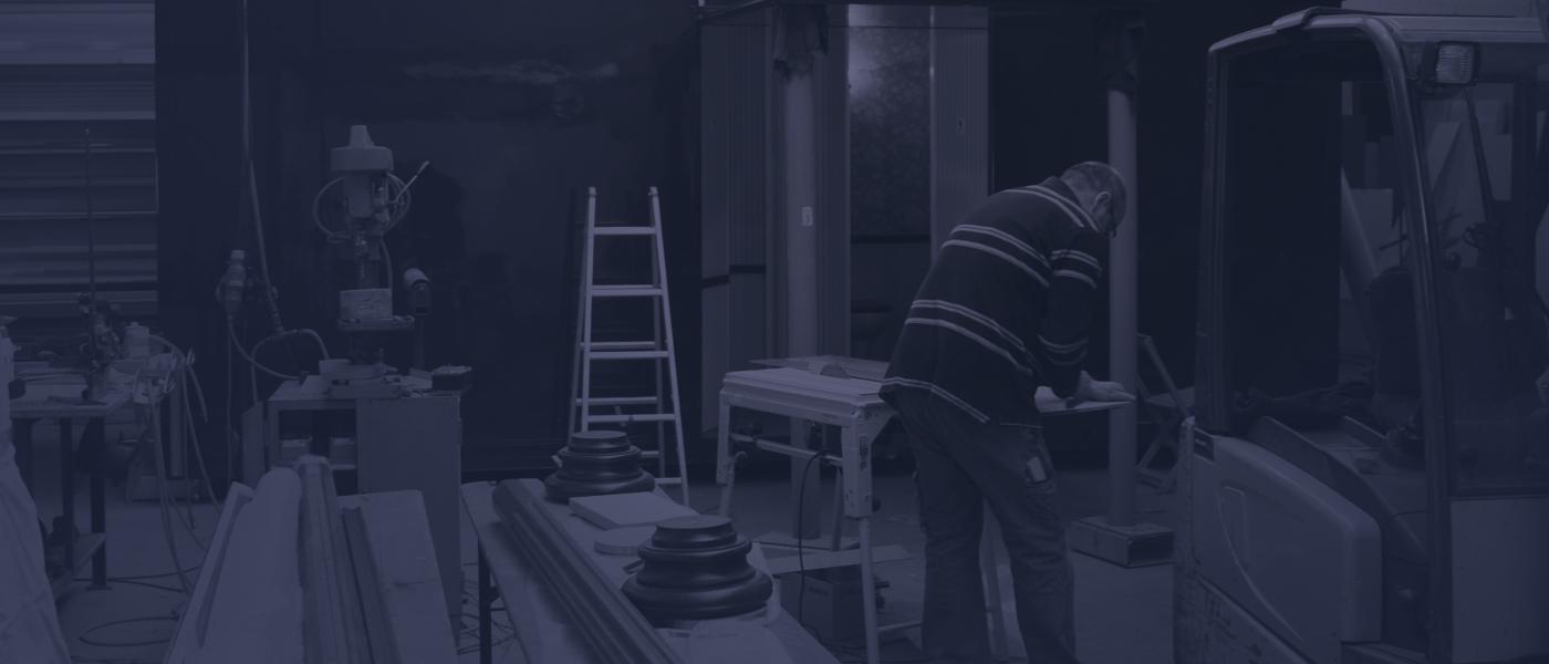 Handarbeit in der Werkstatt - Behlau Fahrzeugbau